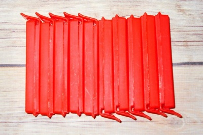 ASSORTED SECONDS - non returnable (PACK OF 10 BAG CLIPS - RED)